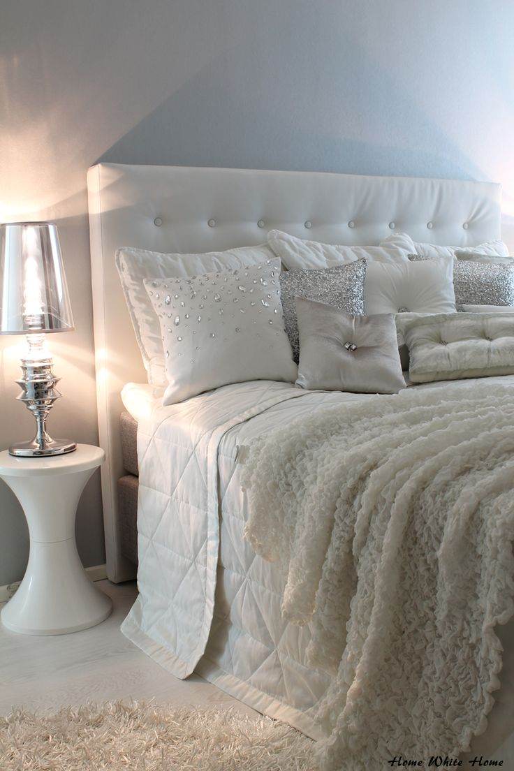 My white bedroom & Kylie at home -cushions. <3
