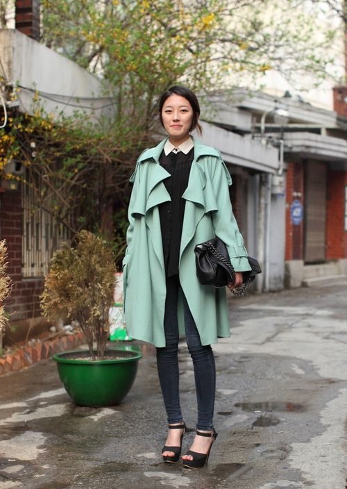 Mint-colored great coat.Fashion, Mint Green, Asian Style, Colors Trench, Street Style, Mint Coats, Trench Coats, Mint Trench