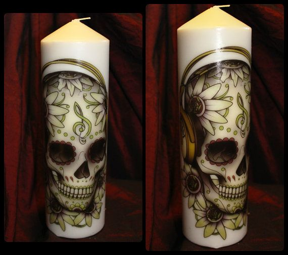 Vegan Handmade Candle: Skull & Headphones 25cm by VeganSmeegan