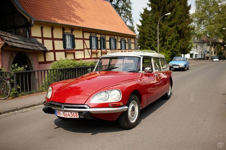 28 best citroen ds images on pinterest vintage cars cars and citroen ds. Black Bedroom Furniture Sets. Home Design Ideas