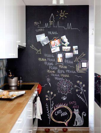 Eine Wand mit Tafelfarbe ist eine tolle Idee, um E…