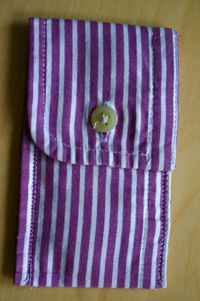 DIY ~ Small bag/coin purse for holding stuff made from the cuff of an old menswear shirt.  Many uses!