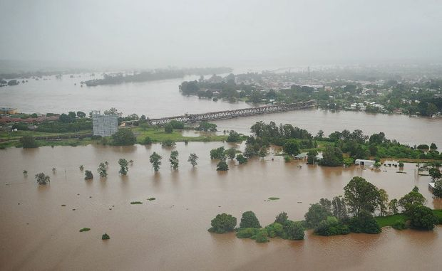 A view of the flooded Clarence River at Grafton at 6pm 13 January 2011 Wednesday. Photo: ADAM HOURIGAN/The Daily Examiner.