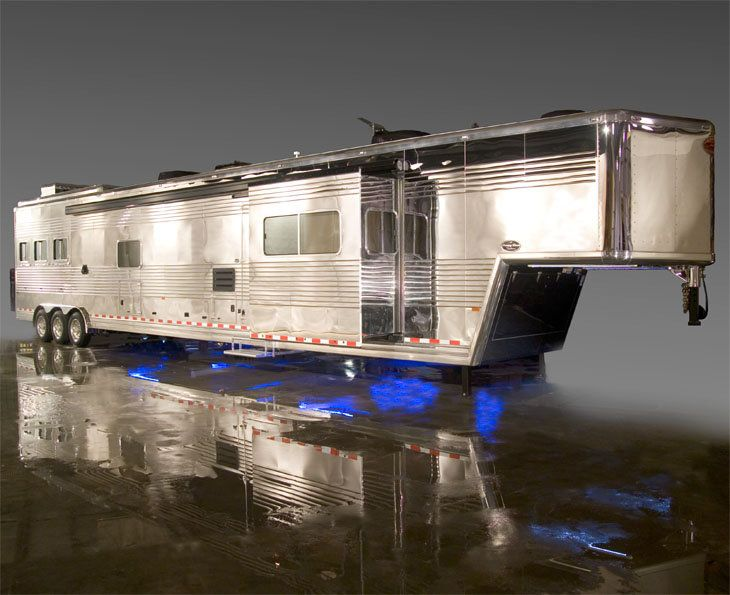 is there a kelly blue book for horse trailers