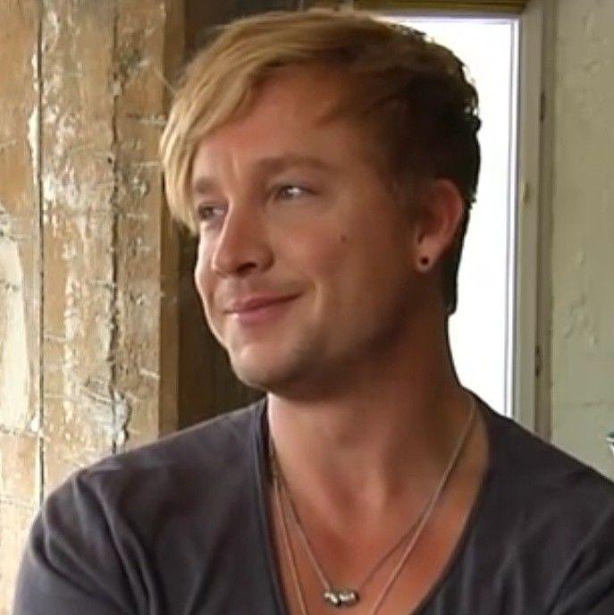 Samu Haber Sunrise Avenue Screenshot by me aus YouTube Video Telekom Interview Beautiful