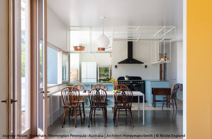 A shinny kitchen in Australia featuring the #Castore 42 pendant lighting, the biggest size among the family ► http://bit.ly/Castore #design Michele De Lucchi & Huub Ubbens