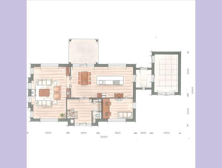 Deze eigentijdse rietgedekte villa is zo ontworpen, dat de woonfuncties naast elkaar liggen en contact met de voor- en achtertuin hebben.
