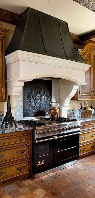 Hood & Backsplash Kitchen Design