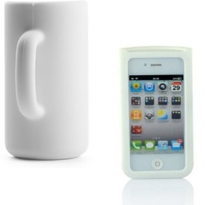 Pour habiller votre iPhone 4 de la plus originale des façons tout en ne vous fâchant pas avec votre porte-monnaie, la coque iPhone 4 originale est l'accessoire qu'il vous faut ! Ainsi, vous pourrez protéger votre téléphone tout en vous en servant comme trompe-l'oeil parfait ! Découvrez sans plus attendre toutes nos idées cadeaux sur http://www.pinklemon.fr ! Pinklemon, le zeste d'idée cadeau gadget.