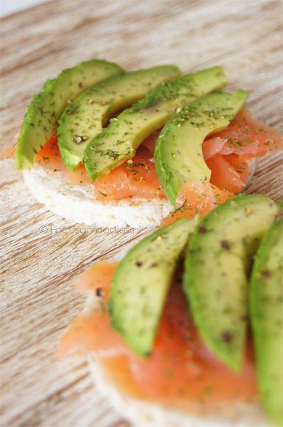 Rijstewafel met zalm en avocado ... zo lekker!
