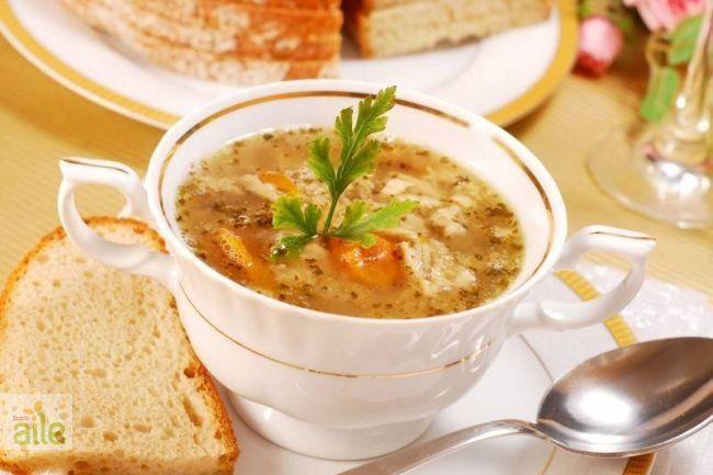Tavuk çorbası tarifi... Şifa kaynağı ve bir o kadar lezzetli bir çorba tarifi. http://www.hurriyetaile.com/yemek-tarifleri/corba-tarifleri/tavuk-corbasi-tarifi_298.html