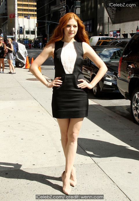 Rachelle Lefevre outside The Ed Sullivan Theater for The Late Show with David Letterman http://icelebz.com/events/rachelle_lefevre_outside_the_ed_sullivan_theater_for_the_late_show_with_david_letterman/photo3.html