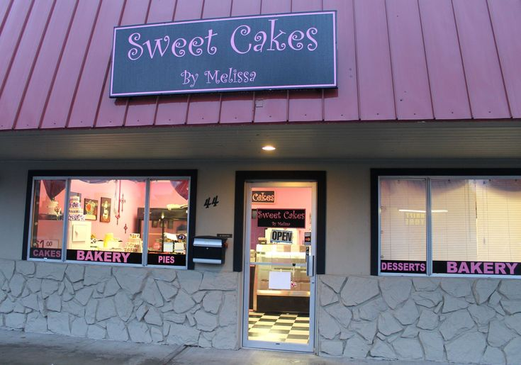 An appellate court Thursday upheld a penalty against Oregon bakery owners who refused to make a cake for a same-sex wedding almost five years ago.