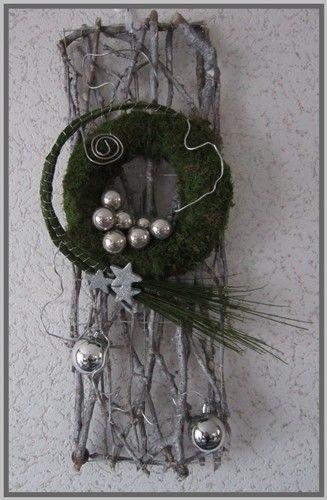 Voorbeeldkaart - Kerstdecoratie deur, - Categorie: Bloemschikken - Hobbyjournaal uw hobby website