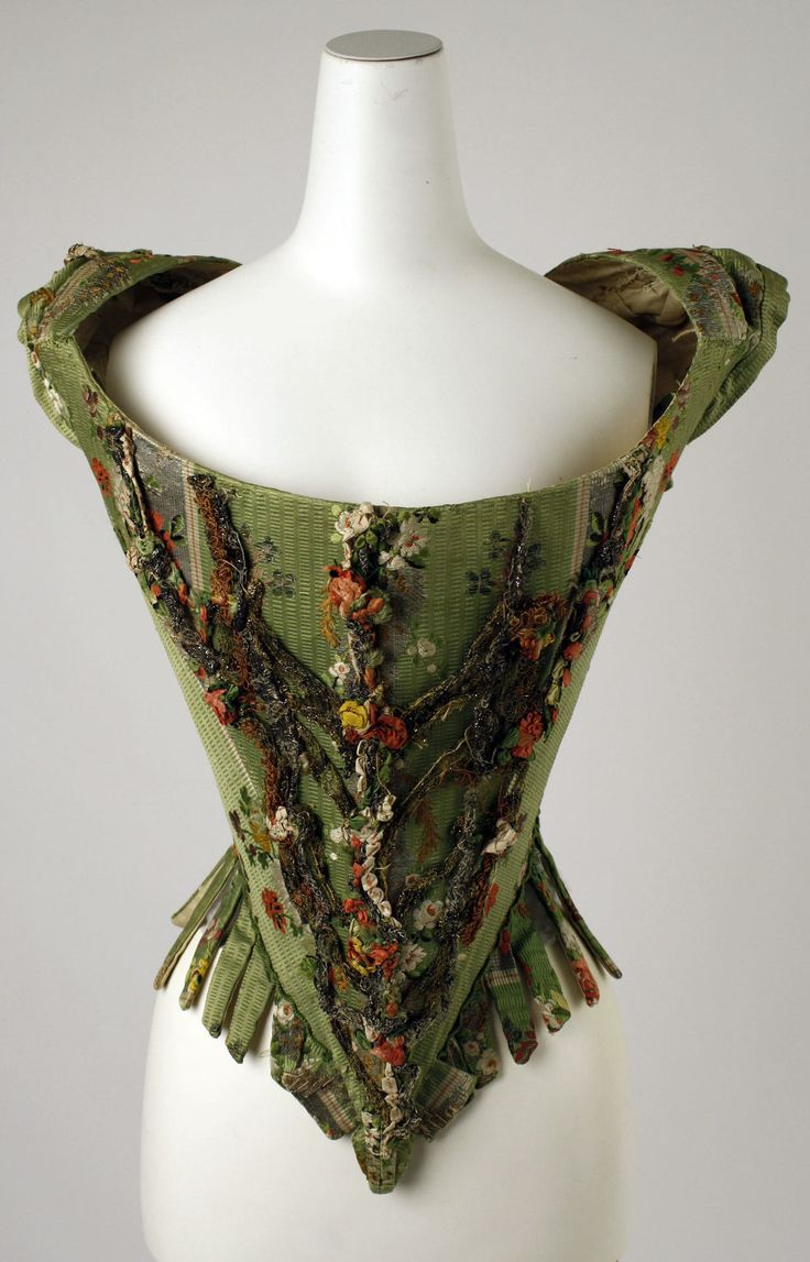 Bodice, made in Europe in the 18th century (source).