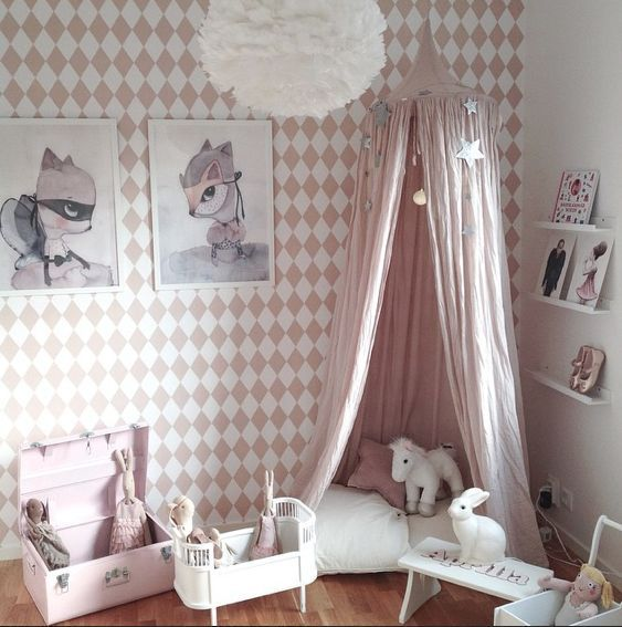 Small Cozy Bedroom For Girls Bewitching Pink Wallpaper In: Best 25+ Pink Girl Rooms Ideas On Pinterest