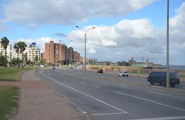 De entre todos los países que están viviendo un desarrollo económico importante y un crecimiento exponencial en su infraestructura, destacamos Uruguay, país que se eleva a la más alta puntuación para trasladarse y asentarse, pues goza de unas condiciones que lo hacen único para empezar una nueva vida.
