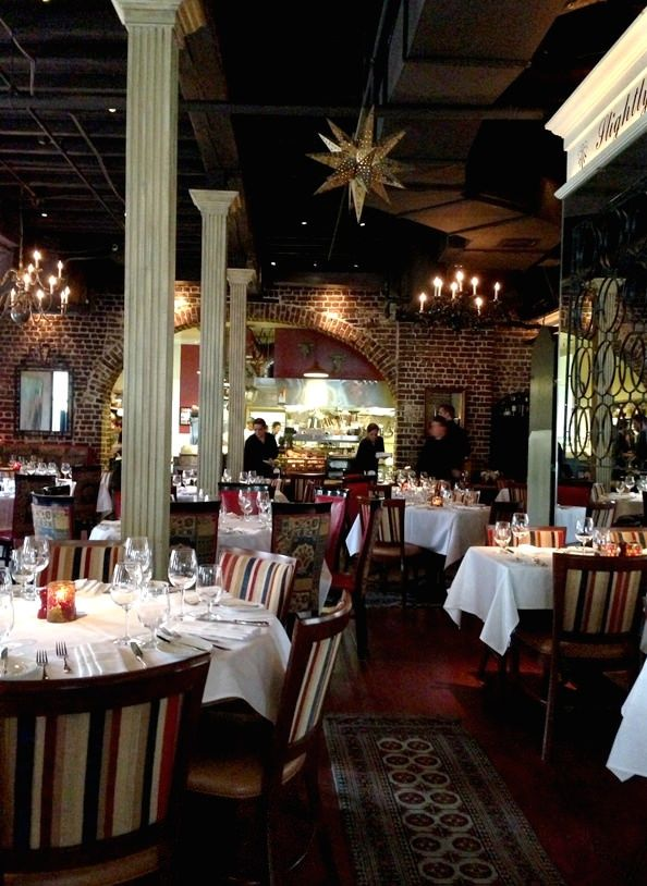 Friday Favorites: Charleston Restaurant Edition | Iowa Girl Eats.  I enjoy this gals blogspot.  I was drawn to her salad recipes and I too LOVED eating my way through Charleston!  Good info!