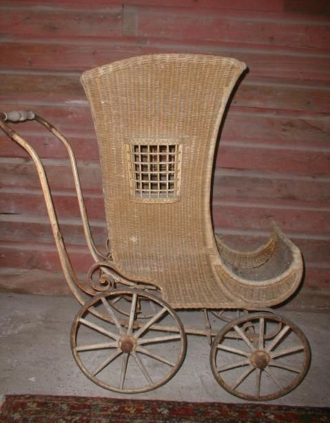 Original 1890's WICKER BABY CARRIAGE with Wooden Wheels.