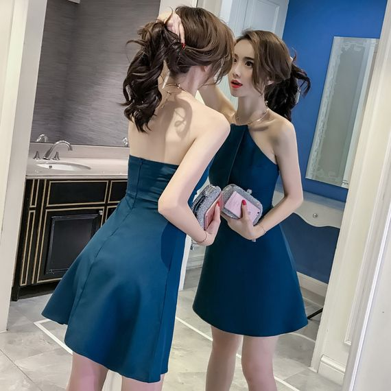 숙녀 밤 게임 섹시한 여성 기질 스커트 2017 새로운 여름 새로운 도착 얇은 등이없는 홀터넥 드레스 나이트 클럽