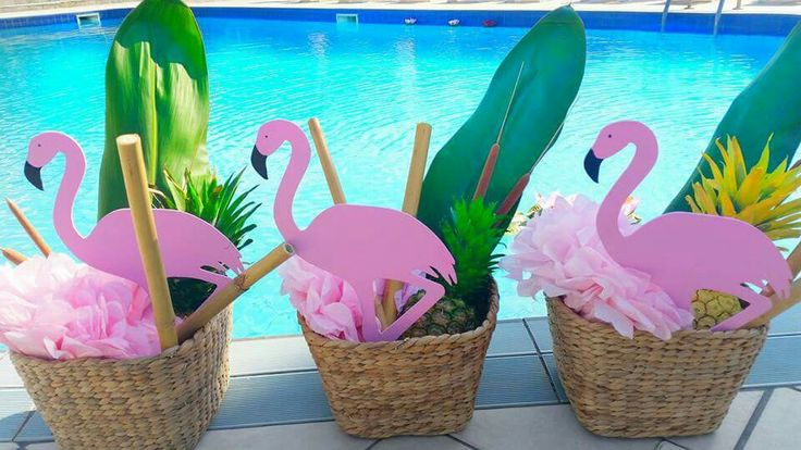 Flamingo baskets