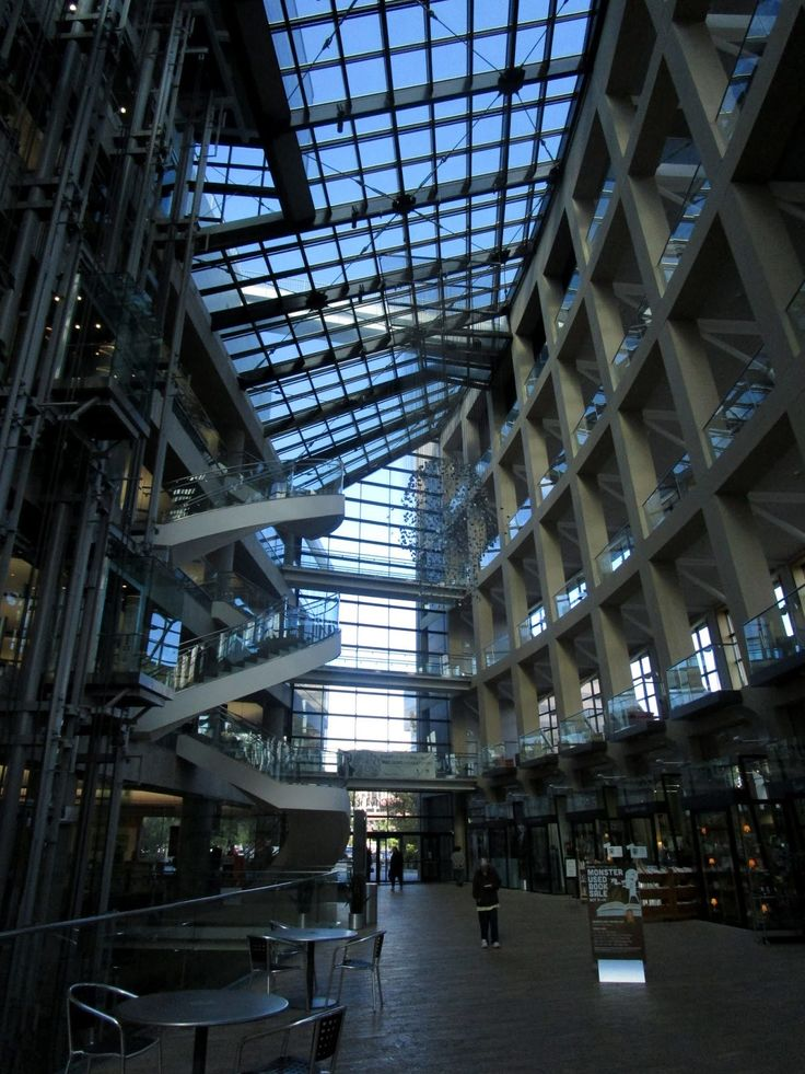 Salt Lake City Public Library. Salt Lake City, UT  (Футуристическая библиотека. Солт-Лейк-Сити, Юта)