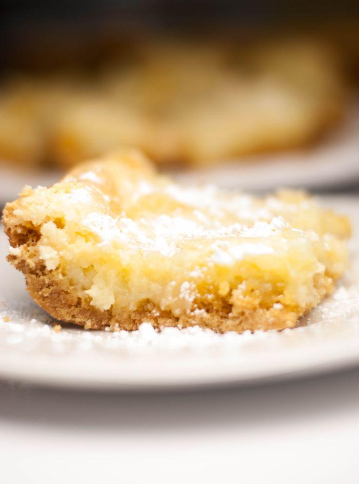 Ooey gooey butter cake - Paula Dean