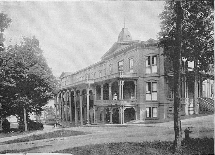 Chautauqua Insution Athenaeum Hotel Side View North Via History