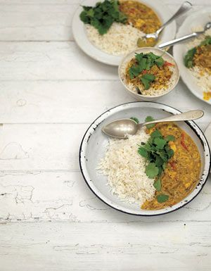 Southern indian crab curry recipe jamie oliver white meat and curry forumfinder Images