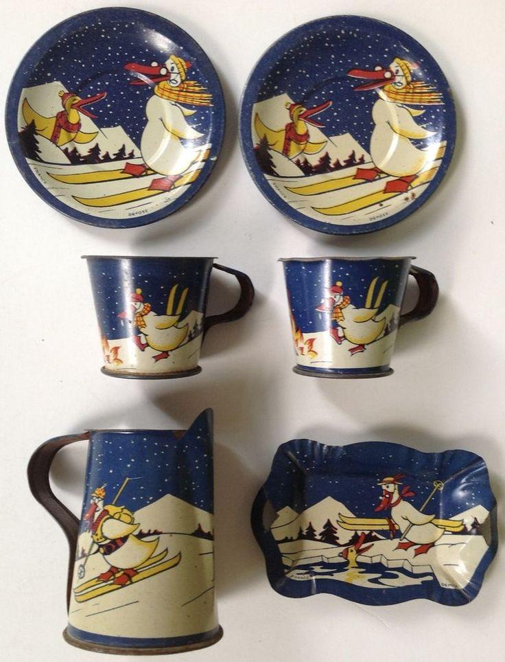 """Vintage French tin-litho child's toy tea set """"Skiing Ducks"""""""
