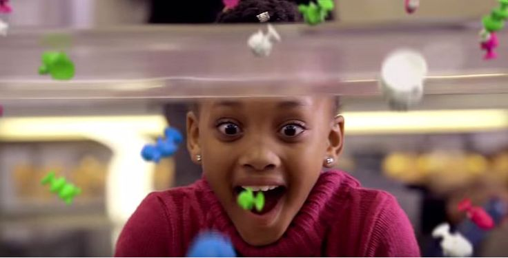 A screenshot of our lovely Lathitha M in the Pick 'N Pay Stikeez Commercial