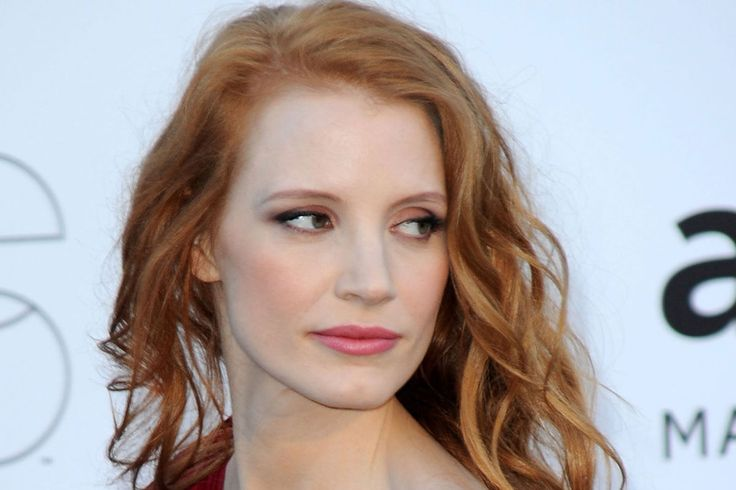 Jessica Chastain Height, Weight, Age, Affairs, Wiki & Facts. Net worth, boyfriend, body measurements, family, marriage, biography, figure