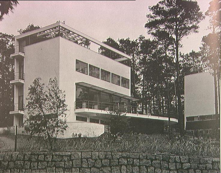 Landhaus Am Rupenhorn, Berlin, Germany (1931) Bauhaus Modern - landhaus modern