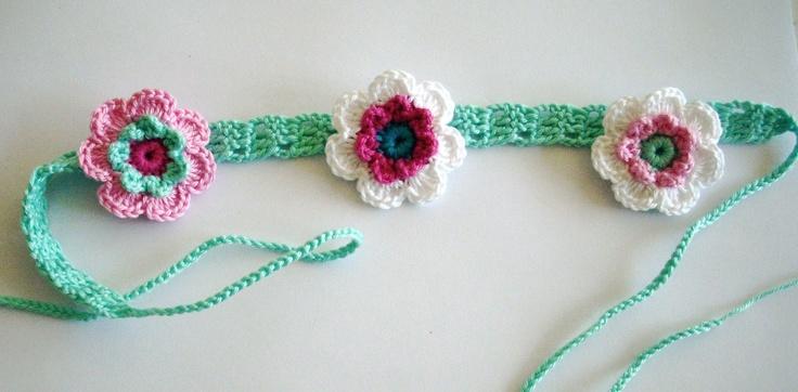 Smal haarbandje met 2- laags bloemetjes