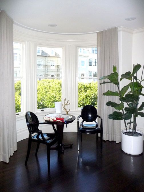 For this San Francisco homeowner, Stitch proposed contemporary floor-to-ceiling sheers that preserve the architectural beauty of the bow window yet still provide a sun protecting layer for their contemporary furnished room.