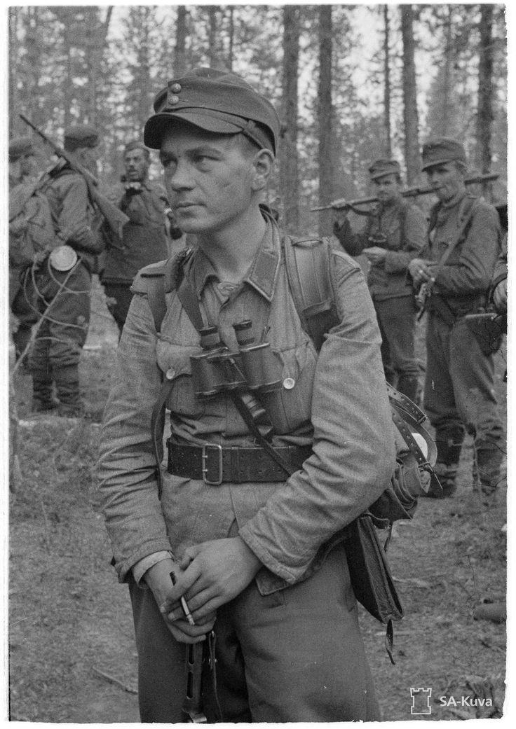 Lieutenant Eino Penttilä and his long-range reconnaissance patrol Rukajärvi 1942 [1473x2085]