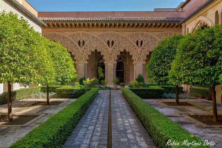 Palacio de la Aljafería Patio