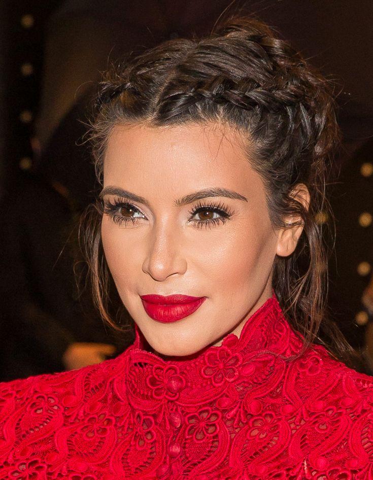 Kim Kardashian et son chignon tressé