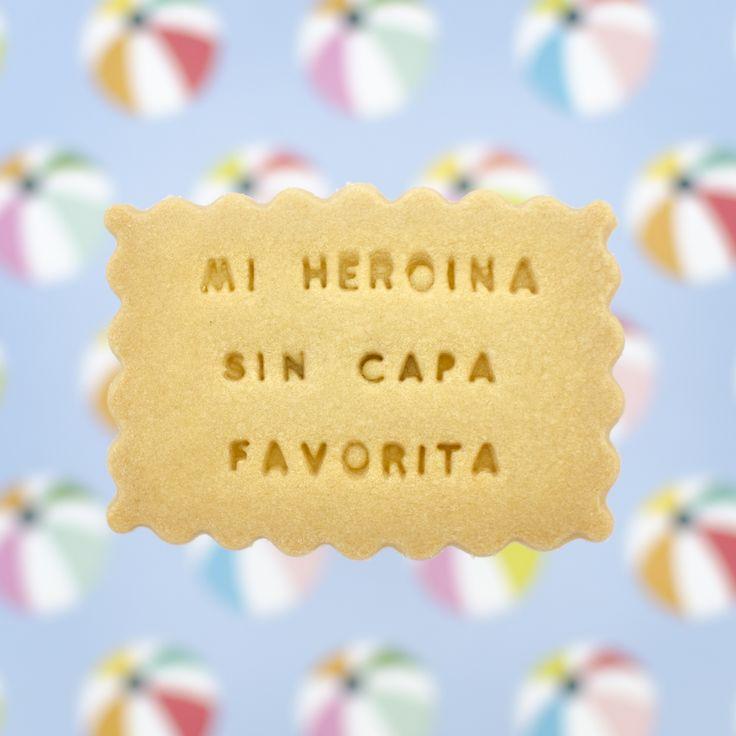 Sorprende en el día de la madre con un regalo original. ¡Regala una caja de galletas con el mensaje que tú quieras! :) Mom Day, Cupcakes, Kit, Cookies, Desserts, Handmade, Ideas, Food, Cooking