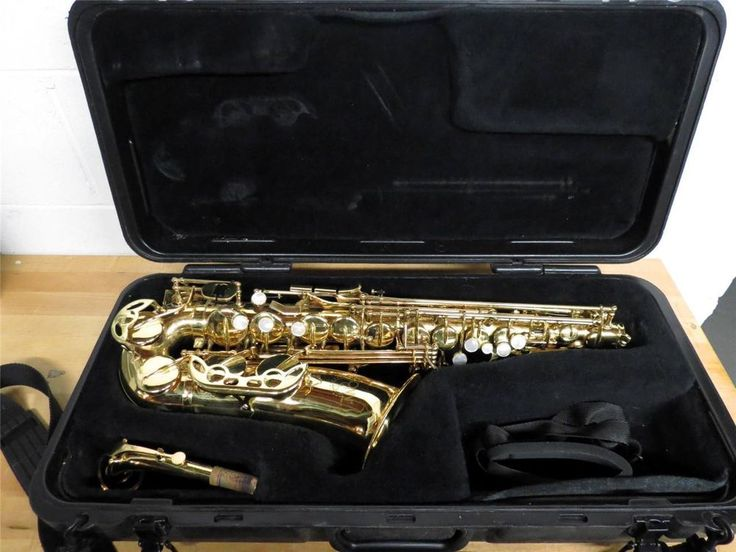Selmer-Conn International Alto Saxophone 200M-HF W/Hard Case - Great Condition #Conn