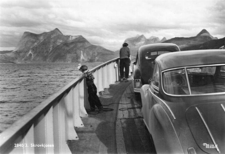 Skrovkjosen i Tysfjord 1950-tallet. På fergen Bogenes-Skarberget