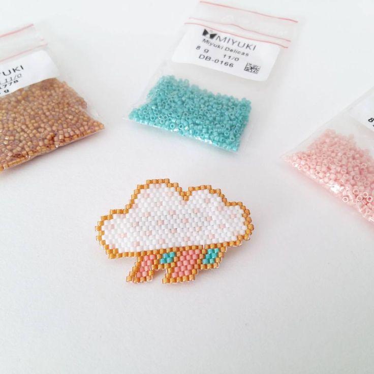 Et pour le nuage, j'ai copié @lili_azalee  #brickstitch #miyuki #jenfiledesperlesetjassume