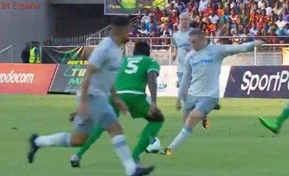 Increíble gol de Rooney en su reestreno con el Everton