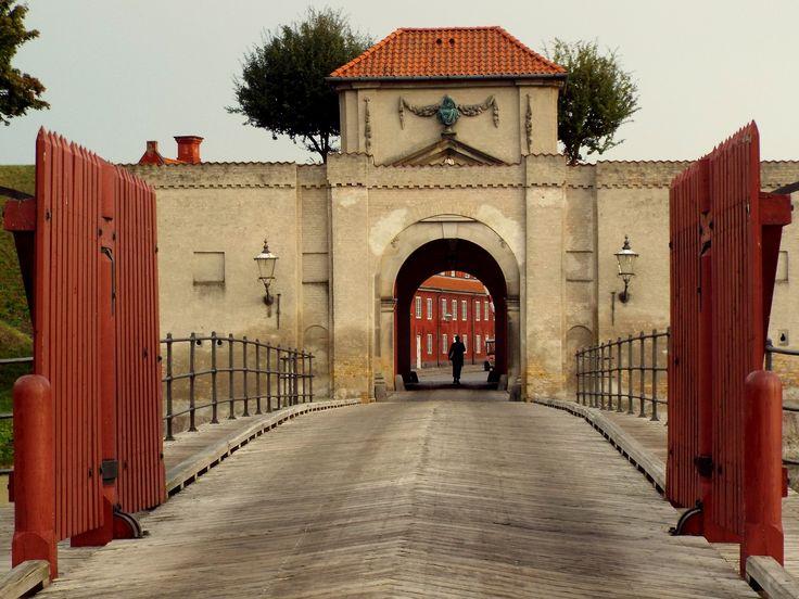 https://flic.kr/p/xwGQx6 | The Gates of Kastellet | Copenhagen