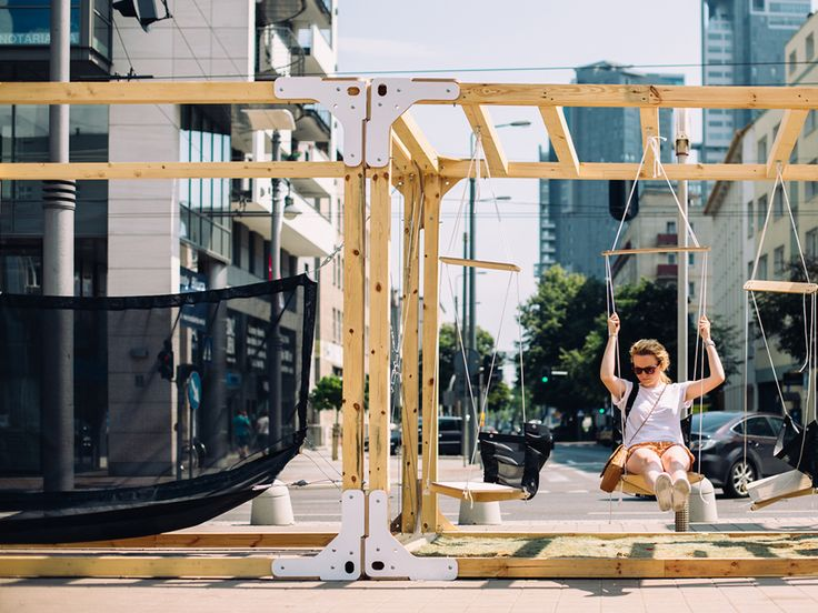 GDD 2014 / 30+ / Our plywood swings and a couch / fot. 3citizens