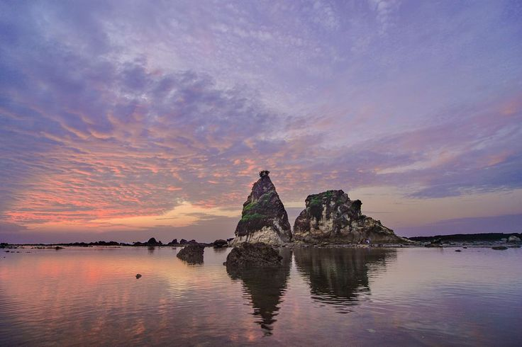 Sunrise Batu Layar by Anggit Priyandani