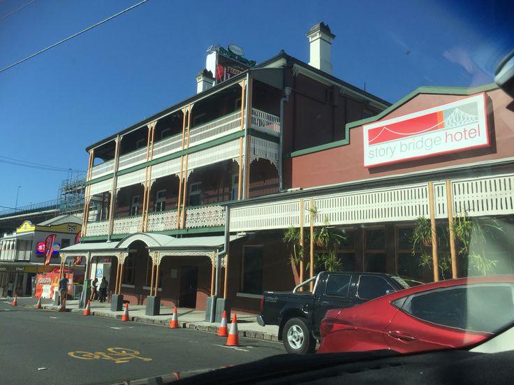 Story Bridge Hotel  Kangaroo Point Brisbane Access Locksmiths 122 Crosby Rd, Ascot Brisbane 4007 PH. 0404 159 369 www.locksmith.id.au Locksmith Brisbane