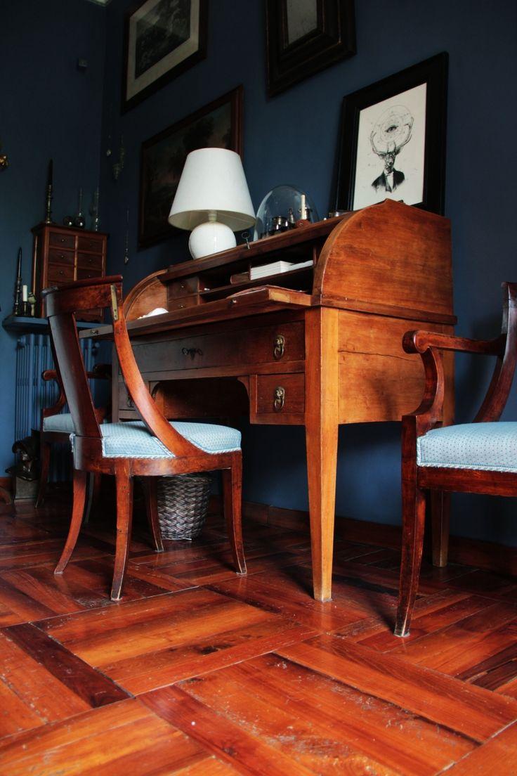 Blue bedroom Scrittoio in stile impero