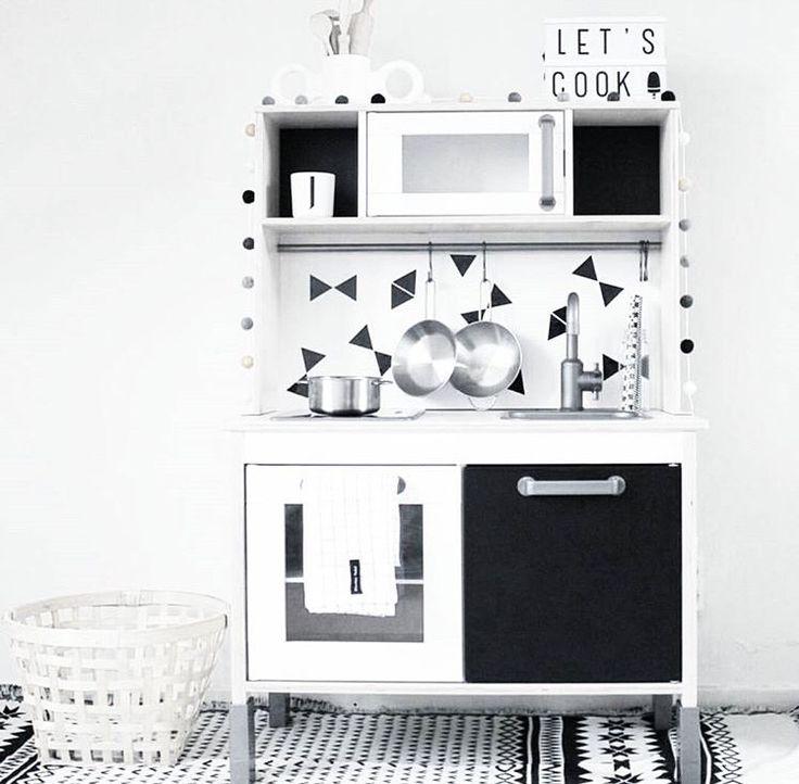 die besten 17 ideen zu ikea kinderk che auf pinterest spielecke kinderm bel malen streichen. Black Bedroom Furniture Sets. Home Design Ideas