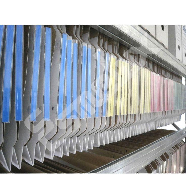 Estantes de acero galvanizado para carpetas colgantes tamaño DIN-A4. Ya puede tener una estantería llena de carpetas colgantes con visor lateral con estos estantes especiales.